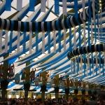 Im Festzelt – blauweiß