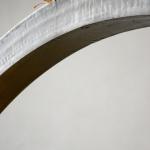 Blatt auf Stahl