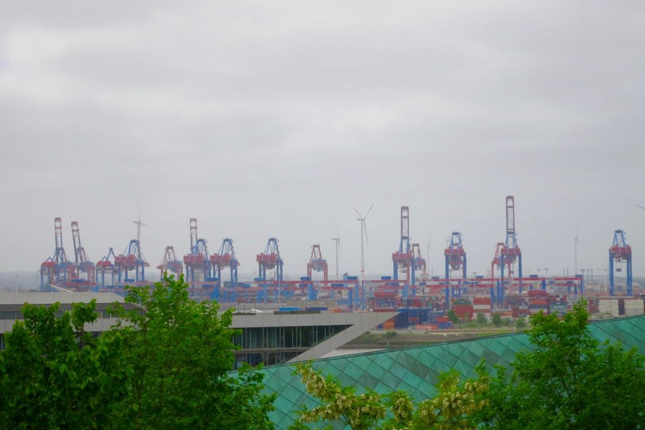 Der Hafen von Weitem