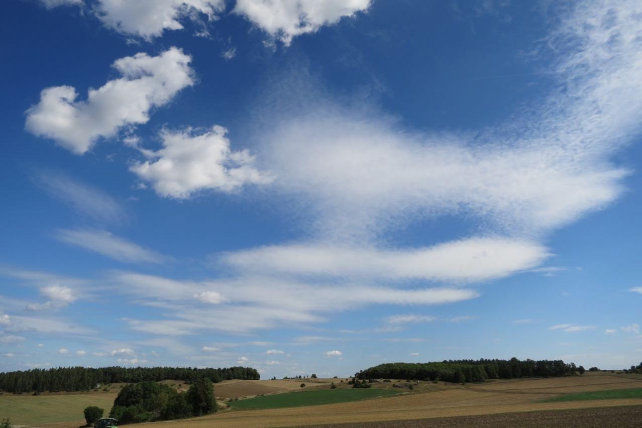 Wolken überm Ries